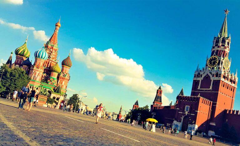 Ruski ekspres potopisno predavanje Rusija ljubezen na prvi pogled Moskva in Sankt Peterbrug potovanje v Rusijo1