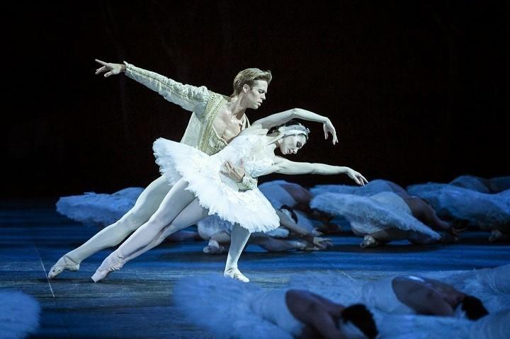 Ruski ekspres potovanje v Rusijo. Peter Cajkovski in njegov balet Labodje jezero.